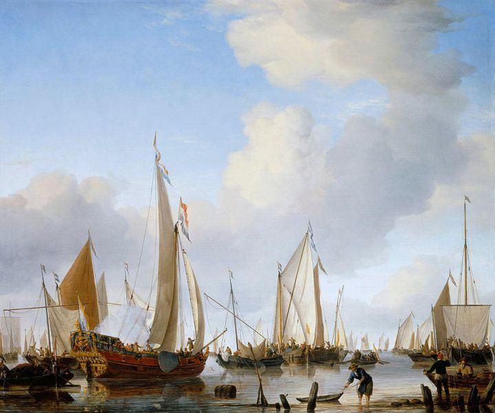 Calme : Un yacht d'état sous voiles près du rivage avec beaucoup d'autres bateaux, Willem van de Vel sur Meesterlijcke Meesters
