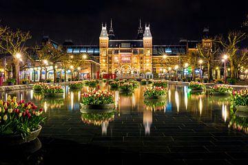 Rijksmuseum in de avond - Amsterdam van Thomas van Galen