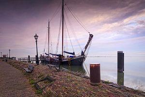 zeilschip aan de kade van Volendam