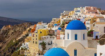 Uitzicht op Oia, Santorini, Griekenland van Adelheid Smitt