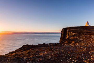 De vuurtoren van Dyrhólaey in IJsland