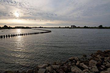 ondergaand Hollands rivierenlandschap  ( Lek) van wil spijker