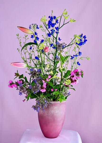 'Wild Spring Flowers' van Roelina Holtrop