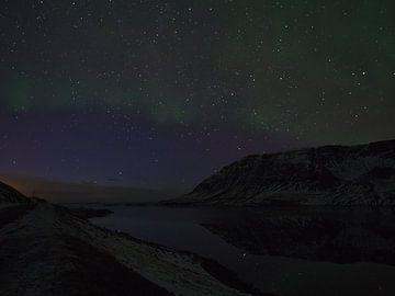 Noorderlicht boven Álftafjöður van Timon Schneider