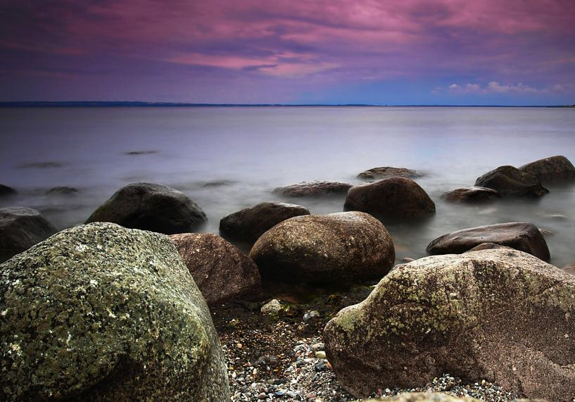 Steine am Meer von Frank Herrmann