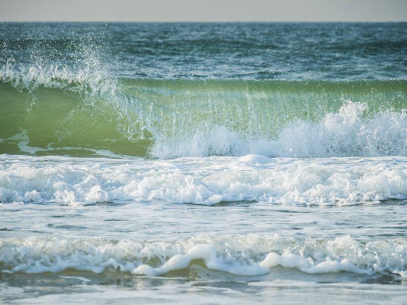 Golven op zee van Martijn Tilroe