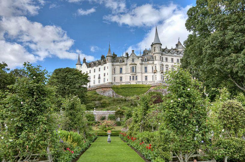 Dunrobin castle in Schotland van Hans Kwaspen