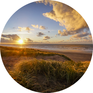 Zonsondergang Strand en Duin van Dirk van Egmond