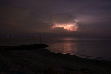 Gewitter und Blitz Wattenmeer Vlieland von Gerard Koster Joenje (Vlieland, Amsterdam & Lelystad in beeld)