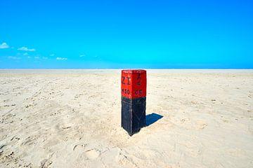 Strandposten am Strand von Schiermonnikoog von Jenco van Zalk