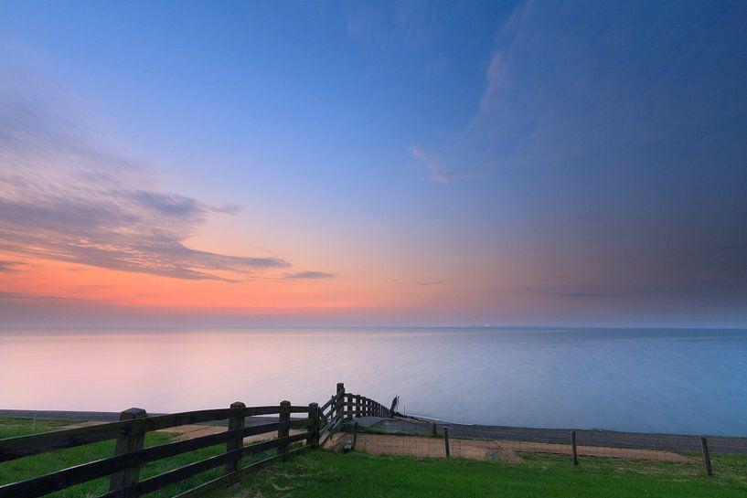 Laatste licht boven de Waddenzee van Niels Heinis