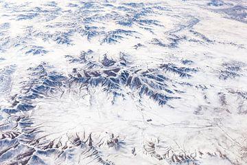 Berglandschap met sneeuw van Inge van den Brande