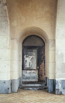 Verdeckte Tür von Karlijne Geudens