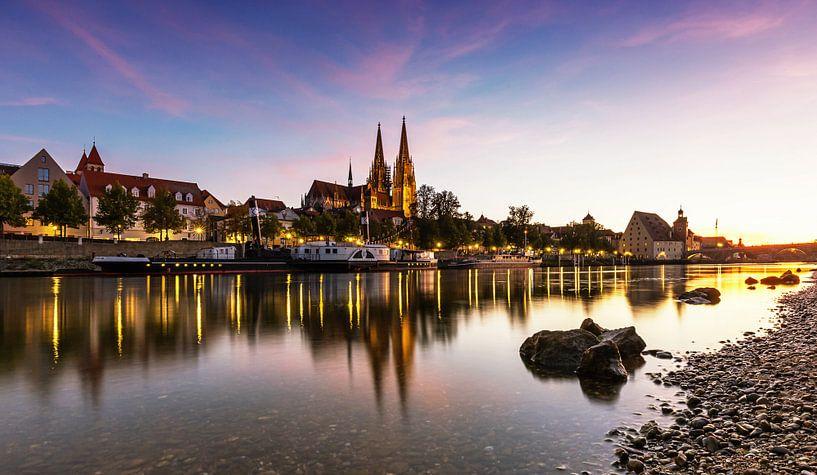 Regensburg bij zonsondergang van Frank Herrmann