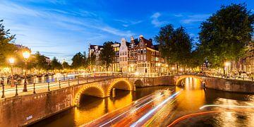 Keizersgracht canal in Amsterdam at night van
