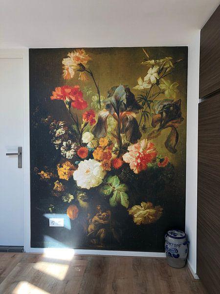 Klantfoto: Bloemenvaas, Volger van Jan van Huysum, als behang