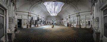 Große Tanzhalle im Hotel von Inge van den Brande