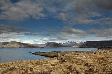 Fjord Iceland van Frans Schutten