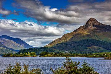 Loch Levens in de Schotse Hooglanden van Jürgen Wiesler