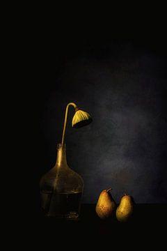 Stilleven met peren en lotus van Saskia Dingemans