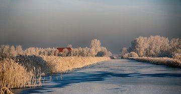 Winterlandschap met boerderij sur Franke de Jong