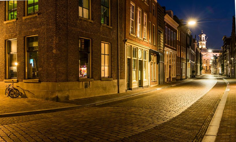 Nachtopname in de  Grotekerksbuurt, Dordrecht van Daan Kloeg
