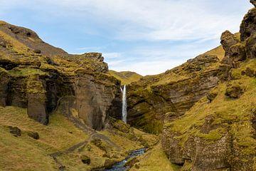 Kvernufoss-Wasserfall Island von Coen Feron