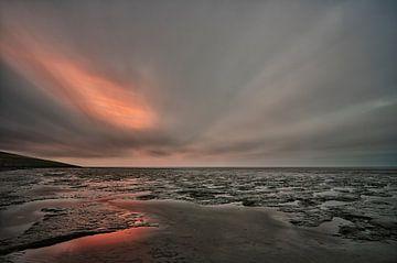 De zon waait door de wolken von Remco de Vries