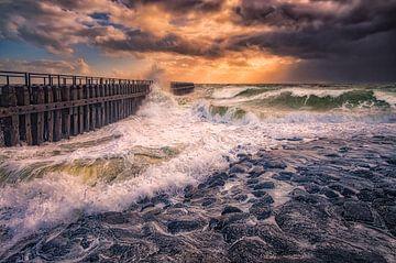 Tempête d'automne sur la côte néerlandaise sur Sander Poppe