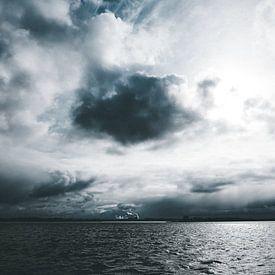 Unwetter über der Elbe von Heiko Westphalen