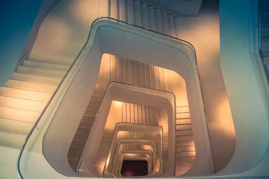 Verlicht trappenhuis van adri vollenhouw op canvas behang en meer