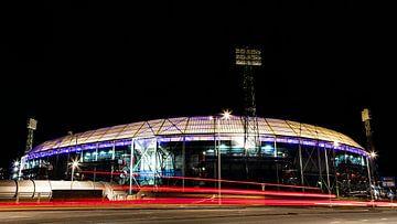 Stadion Feijenoord in de avond van Martin Hulsman