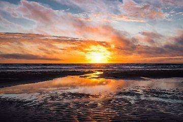 Zonsondergang Wijk aan Zee von Corali Evegroen