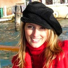 Julia Apostolova avatar