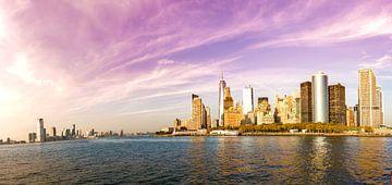 New York skyline, Manhattan Skyline van Maarten Egas Reparaz