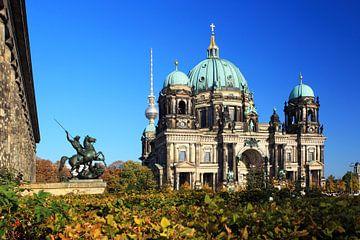 Berliner Dom im Lustgarten von Frank Herrmann