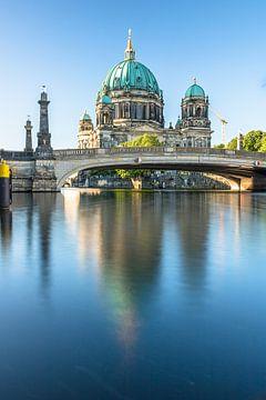 Berlina Dom am Morgen blick über die Spree zur Museumsinsel von Fotos by Jan Wehnert