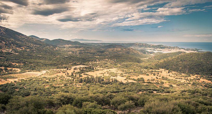 Uitzicht op Argostoli, Kefalonia van Sven Wildschut