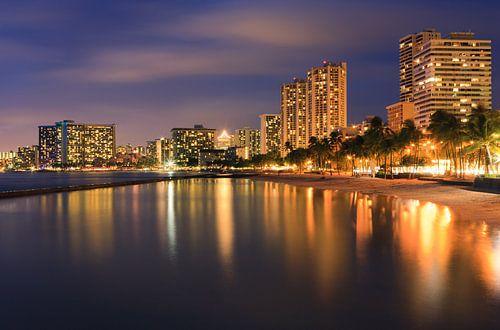 Waikiki Beach - Honolulu - Hawaii van Henk Meijer Photography