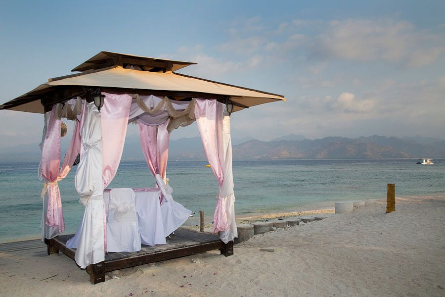 Romantiek aan het strand op Gili Trawangan van Willem Vernes