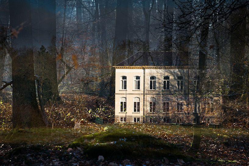 Restaurant Wolfslaar in het bos Breda, Baronie, Noord-Brabant, Nederland, Holland. van Ad Huijben