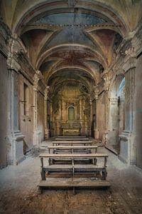 Verlassene Kapelle im Verfall