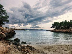 Bewolkt in Ibiza van Mars Ruis