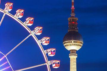 Fernsehturm Berlin mit Riesenrad von Frank Herrmann