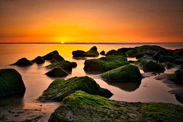 Zonsondergang Sunset Katwijk aan Zee Nederland van Wim van Beelen