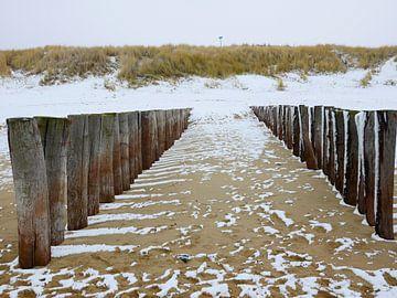 Zeeuws strand op een winterse dag  van Lu's Fotografie