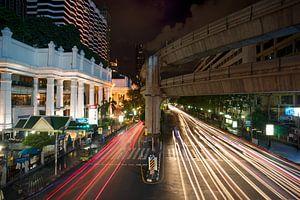 Het verkeer slaapt nooit in Bangkok