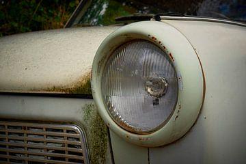 Koplamp van een Trabant van Jenco van Zalk