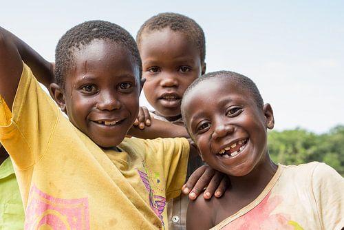 Afrika | Blije kinderen in Tanzania van Servan Ott