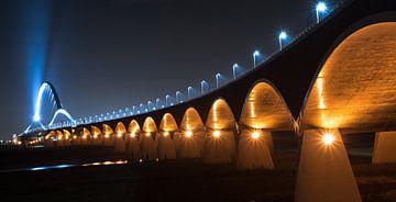 De oversteek Nijmegen van Jeroen Mondria